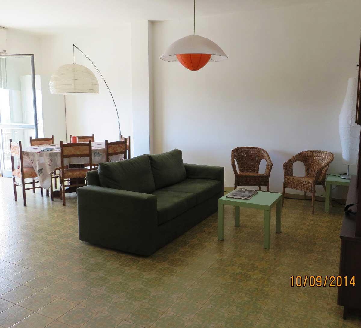 Appartamento Vista Mare in affitto Torre Dell'Orso.  ml 80 spiaggia. Cod. TDO 015