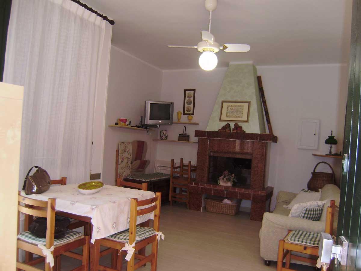 Appartamento Primo Piano Torre Dell'Orso ml 350 spiaggia. Cod. TDO 011
