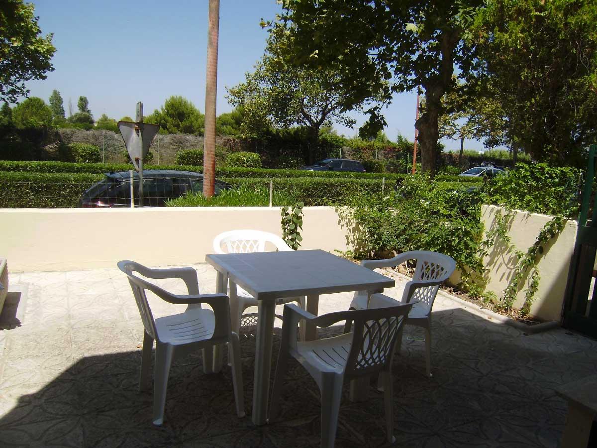 Villetta si affitta a Torre Dell'Orso ml 450 spiaggia. Cod. TDO 013