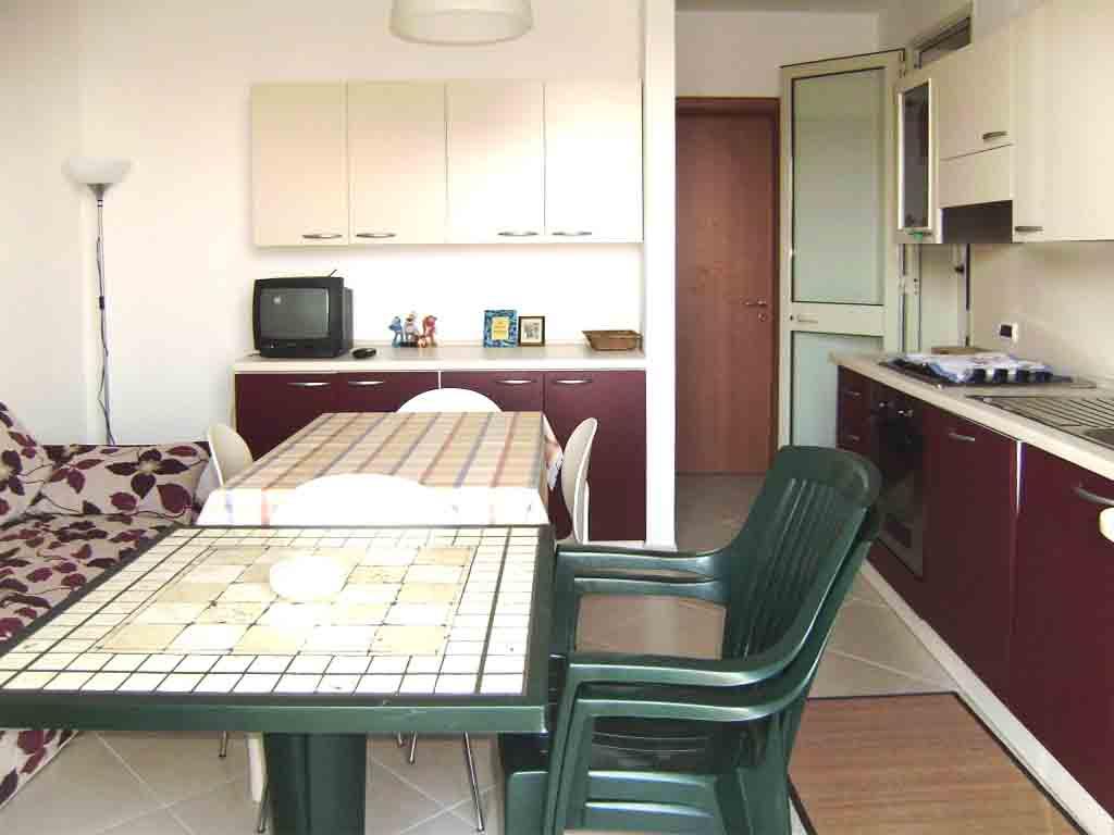 Appartamento P.P. in villa ml 1100 dalla spiaggia di Torre dell'Orso si affitta. Cod. TS 004