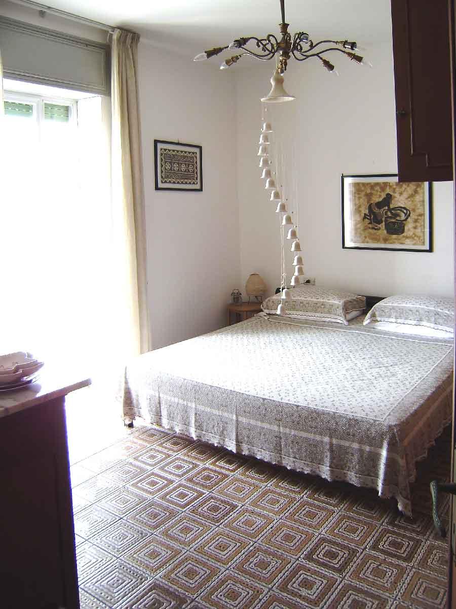 Appartamento climatizzato vista mare si affitta Torre Dell'Orso. Cod TDO034