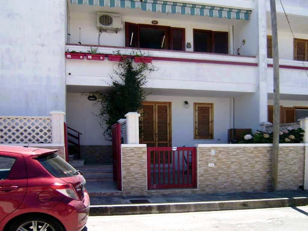 V 049 – ROCA – Appartamento indipendente P.P.  Trivani  più cucina e servizi