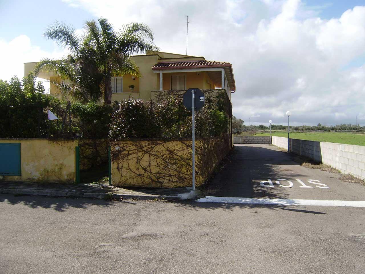 Cod. V 054 Torre Saracena Villetta su due livelli giardino ant. e post.