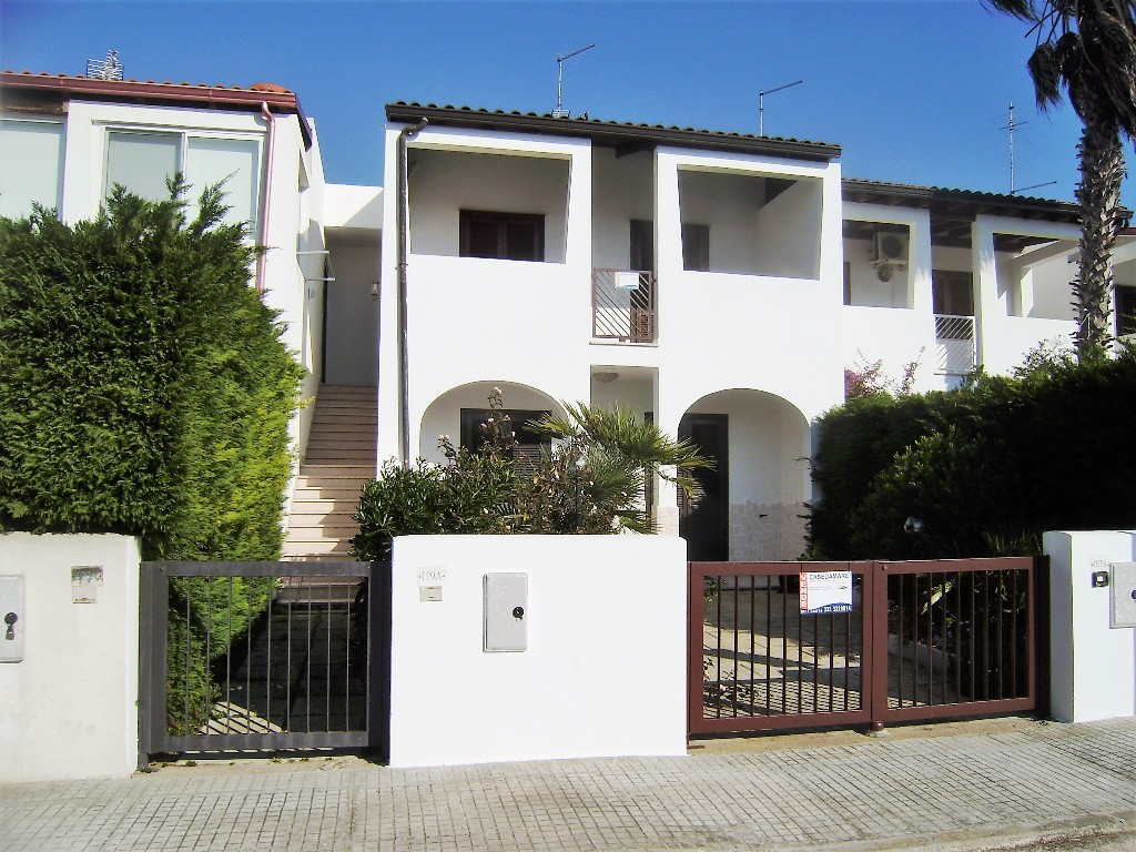 Cod. V 052 SAN FOCA Residence Eurogarden Villetta quadrilocale